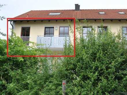 Gepflegte, sonnendurchflutete 2-Z-Wohnung mit Balkon und Einbauküche in Schrobenhausen-Steingriff