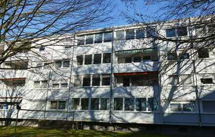 FREIWERDEND! Attraktive 3-Zimmerwohnung mit verglaster Süd-Loggia in Oberreut