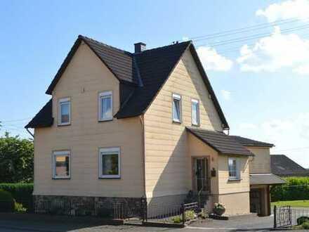 Gemütliches Einfamilienhaus mit gepflegtem Grundstück in Birken-Honigsessen