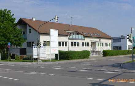 Erstbezug nach Sanierung m. 2 Balkonen: ansprechende 5-Zimmer-DG-Wohnung in Augsburg Nähe Uniklinik