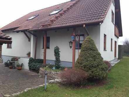 Individuelle 4-Zimmer ETW mit großem Grundstücksanteil eines Zweifamilienhauses in Burgebrach