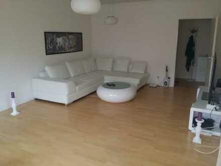 Exklusive, modernisierte 2-Zimmer-Wohnung mit Balkon und EBK in Wandsbek/Tonndorf, Hamburg