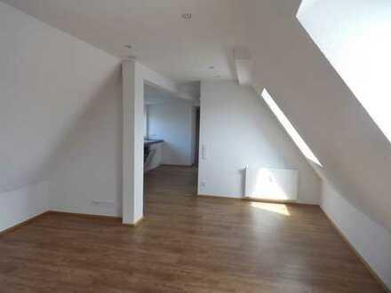 Kempten Süd: Stylische 2-Zimmer-DG-Wohnung in ruhiger Lage