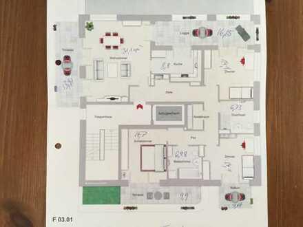 Traumhafte, lichtdurchflutete Penthouse-Wohnung mit vier Zimmern sowie 3 Terrassen und Balkon