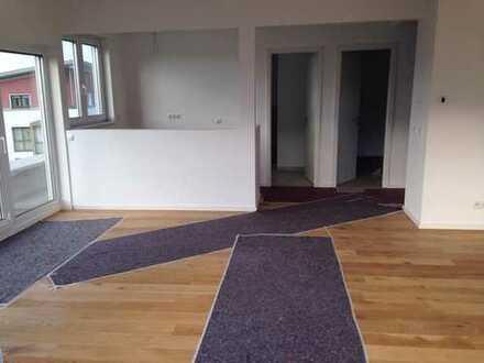 Neubau: exklusive 2-Zimmer-Penthouse-Wohnung mit Balkon in Hennef (Sieg)