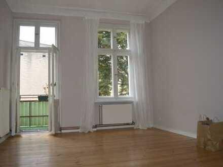 Ruhige Altbauwohnung für Einzelperson oder Zwei - Nahe Schlossstraße!