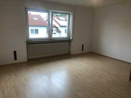 Gepflegte 5-Zimmer-Wohnung mit EBK und Balkon in Mehlingen