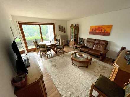 Geräumige 2-Zimmer Wohnung mit Balkon und zwei Stellplätzen in Schönau