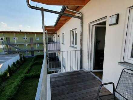 Neuwertige 3-Raum-Wohnung mit Balkon und Einbauküche in Krumbach