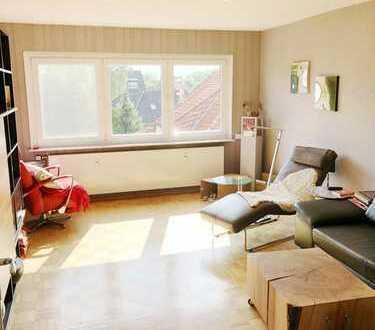 Große und helle 4 Zimmer -Eigentumswohnung mit Garage in Engelbostel!