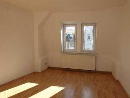 2-Raum Wohnung mit Einbauküche in Böhlitz-Ehrenberg