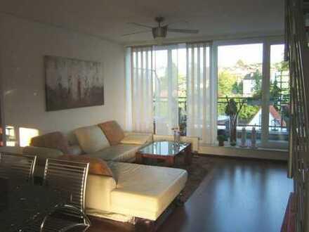 Gepflegte 2-Zimmer-Maisonette-Wohnung mit Balkon und Einbauküche in Hattingen