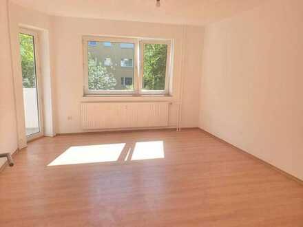 Frisch sanierte 3-Zimmer-Wohnung mit Balkon optional mit Stellplatz