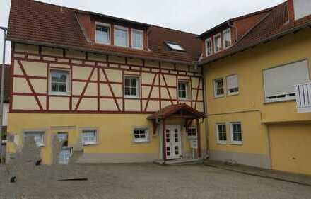 BÖLLSTEIN - IDEAL FÜR SINGLES: Gemütliche 2-Zimmer-Wohnung mit Balkon