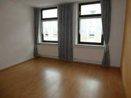 08412! Kleine gemütliche 2-Zimmerwohnung zentrumsnah in verkehrsberuhigter Straße