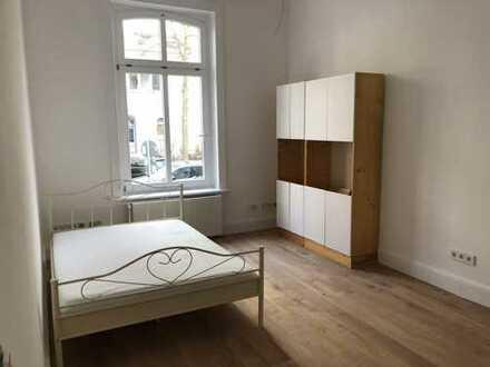 Erstbezug nach Sanierung: ansprechende 1-Zimmer-Hochparterre-Wohnung mit EBK in Rotherbaum, Hamburg