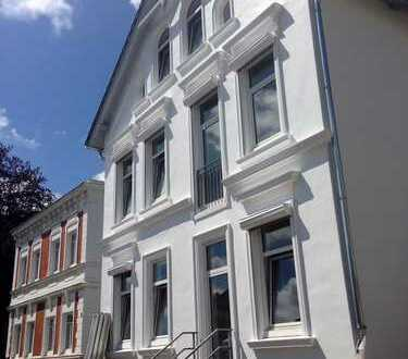 Lotsenviertel - Jugendstilvilla von 1897- Hochparterre mit Terrasse und Balkon- Komplettsanierung