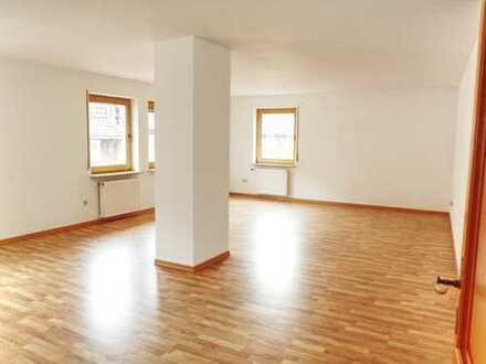 Preiswerte 3-Zimmer-Wohnung mit EBK in Annweiler am Trifels