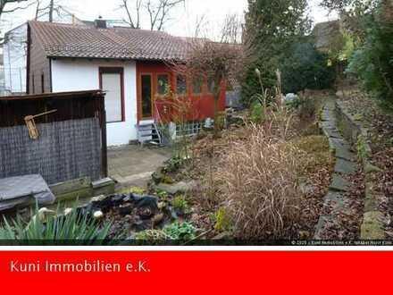 Großes Haus mit Garten und Einliegerwohnung. Sofort frei!!!