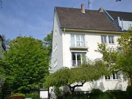 Wohnen am Volksgarten in charmanter, lichtdurchfluteter 3-Zimmerwohnung mit Balkon und Gartennutzung