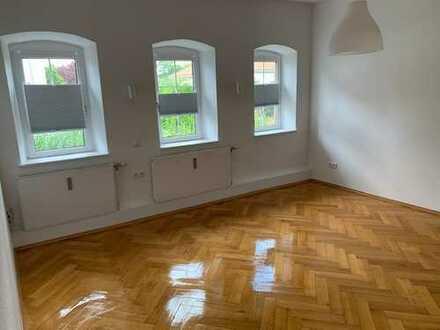 Große charmante Wohnung für 4-WG ausgelegt