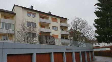 Vollständig renovierte und modernisierte 2-Z.-Wohnung mit Balkon