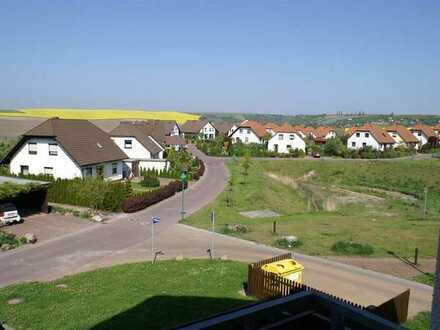 Langenbogen: Tolle 2-Zi.-Wohnung mit Süd-/Westbalkon und Einbauküche