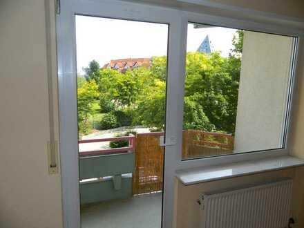Gepflegte, gut geschnittene 2,5-Raum-Wohnung mit Balkon, TG Aufzug in Bob.-Roxheim