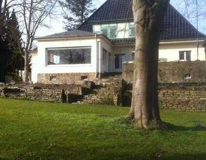 Vollständig renovierte 3,5-Zimmer-Terrassenwohnung mit Balkon in Herford