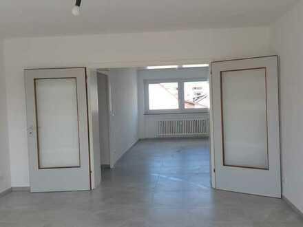 Erstbezug nach Sanierung mit Balkon: attraktive 5-Zimmer-Wohnung in Ingelheim