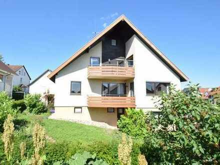 Großes 2-Familien-Haus mit zwei Garagen und großer Hoffläche in guter Lage in Großingersheim