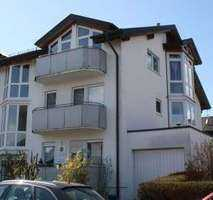 Stilvolle, gepflegte 5-Zimmer-Wohnung mit Balkon und EBK in Böblingen