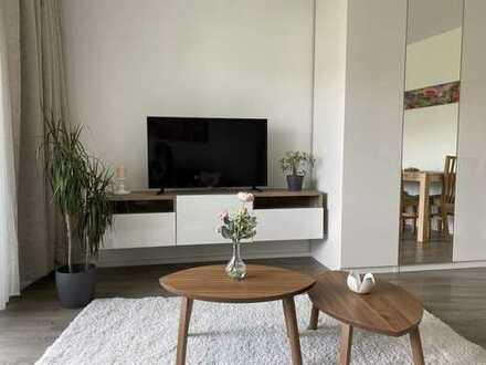 Schicke 1 Zimmer Wohnung, Loggia, IKEA-möbliert, neues Bad, ruhige Hoflage