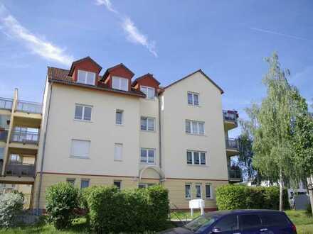 Wohnen im Grünen und doch nah an der Stadt! Helle 2 Zimmer mit Balkon!