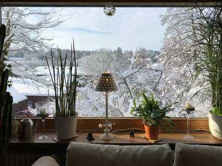 Gut geschnittene 3-Zimmer-Wohnung mit hübschem Blick und Schwedenofenanschluss