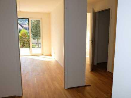 Neuwertige 3,5-Raum-Wohnung mit Balkon und Einbauküche in Weil der Stadt