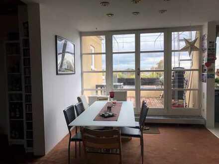 Gepflegte 3-Zimmer-Dachgeschosswohnung mit Balkon und EBK in Bad Nauheim