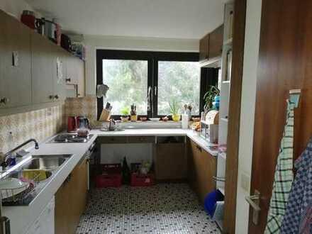 Schönes helles Zimmer in Haus Wg direkt an der FH