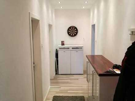 Helle und große(77qm) Wohnung in bester Lage und netter Gesellschaft suchen dich!