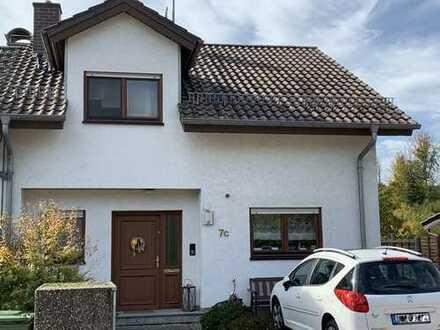 Attraktive Doppelhaushälfte in sonniger Lage!