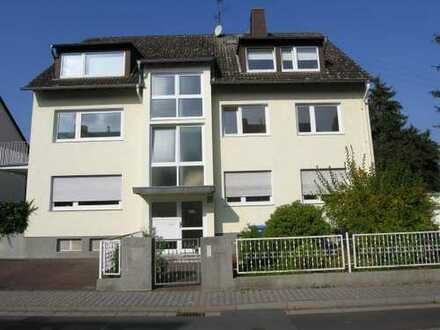 Große, helle 4-Zimmer-Wohnung mit 2 Balkons