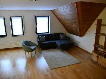 3-Zimmer Traumwohnung in **Top-Lage** mit Fahrstuhl und Süd-Balkon