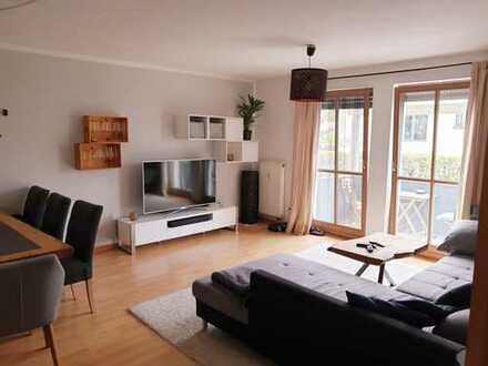 Helle und topgeschnittene 2 Zimmer Wohnung mit Balkon und Einbauküche in Neufarn b. Vaterstetten
