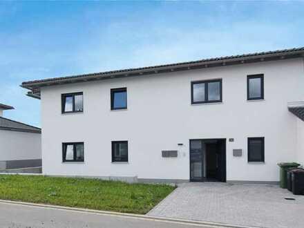 Neubau-EG-Wohnung mit Terrasse und kleinem Garten
