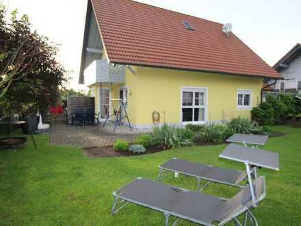 Familienglück auf 266qm, schöner Garten, Pool, 2 Terrassen, Doppelgarage, 2 Einbauküchen, sehr ruhig