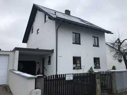Schönes Haus in München-Allach mit Garten und 2 Garagen