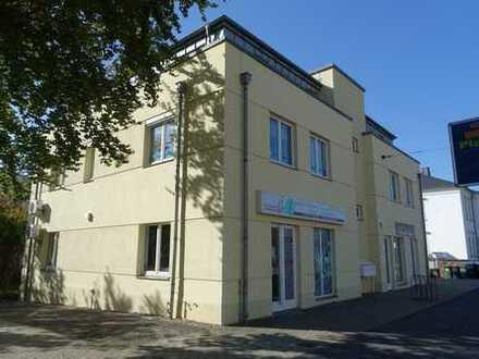 Moderne Gewerbeeinheit geeignet für Büro/ Praxis oder Verkauf in zentraler Lage von Radebeul-Ost
