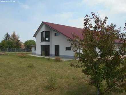 Modernes Anwesen mit Einliegerwohnung, Werkstatt und 2177m² Grundstück
