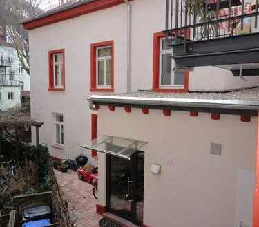Schönes Einfamilienhaus im Hinterhof in der Heidelberger Altstadt