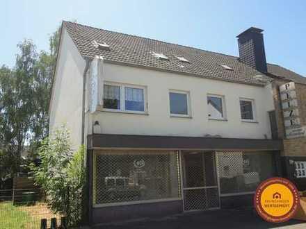 Gemütliche, großzügige 5-Raum-Dachgeschoss-Wohnung mit Gartennutzung in ruhiger Lage von Monheim